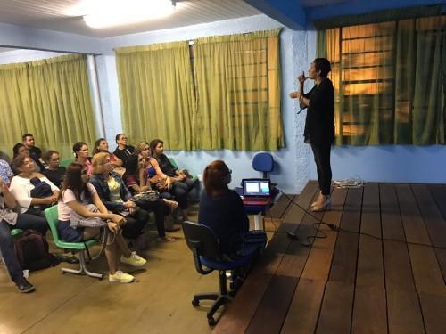 Seduc  promove palestra sobre inclusão de índios surdos na educação