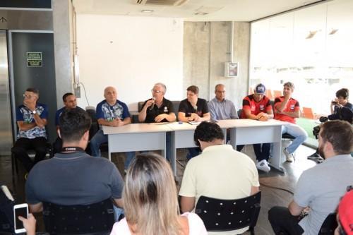 Arena da Amazônia recebe projeto 'Duelos na Arena', com jogos mistos