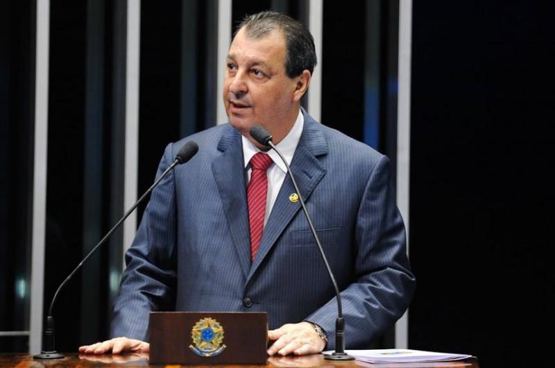 """""""Palavras irresponsáveis"""", diz senador Omar sobre fala de ministro Paulo Guedes referente à Zona Franca"""