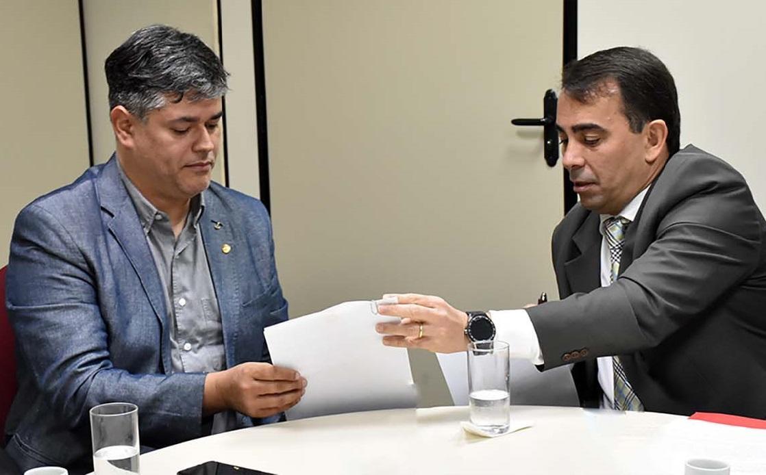 MP-AM pede informações sobre contratos ao novo secretário da Susam