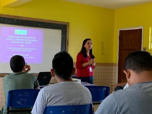 Em Iranduba, Sejusc apresenta palestra sobre violência doméstica