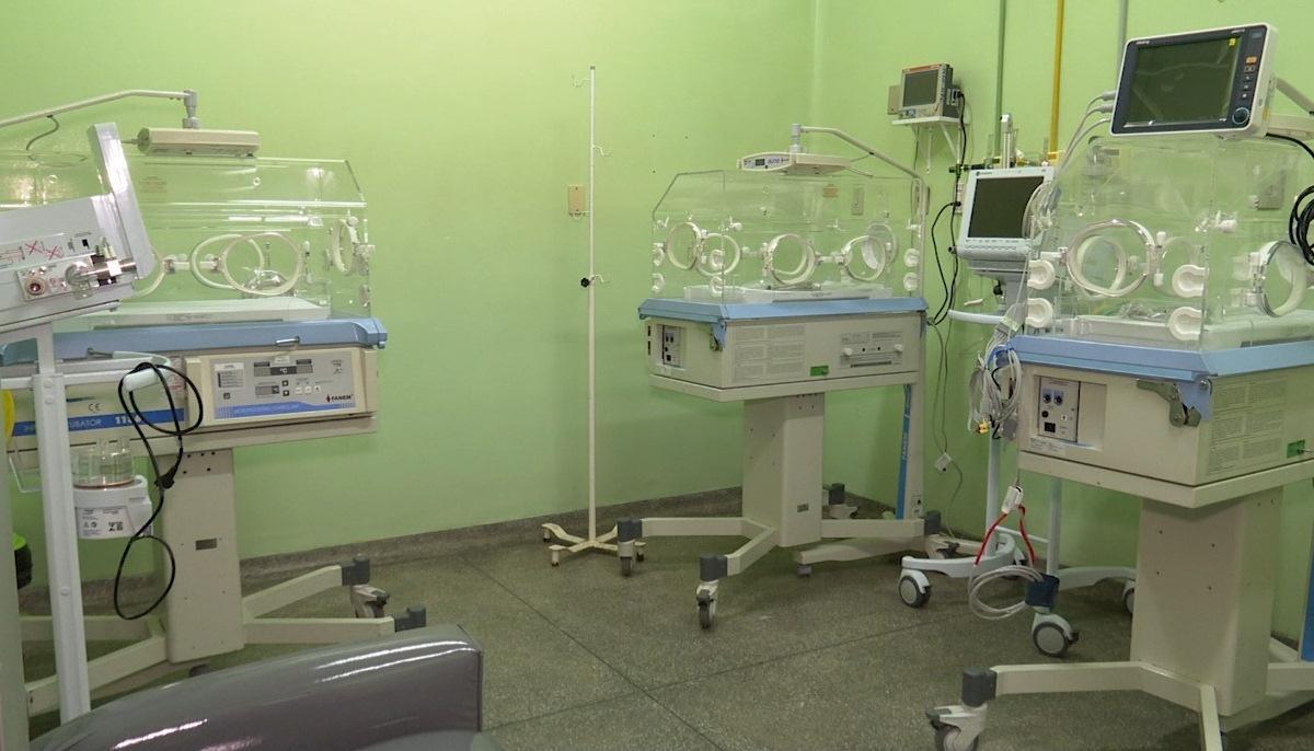 Susam acompanha a instalação das salas de UTI em Parintins