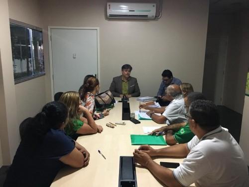 Susam e sindicatos discutem criar comissão para revisar PCCRs