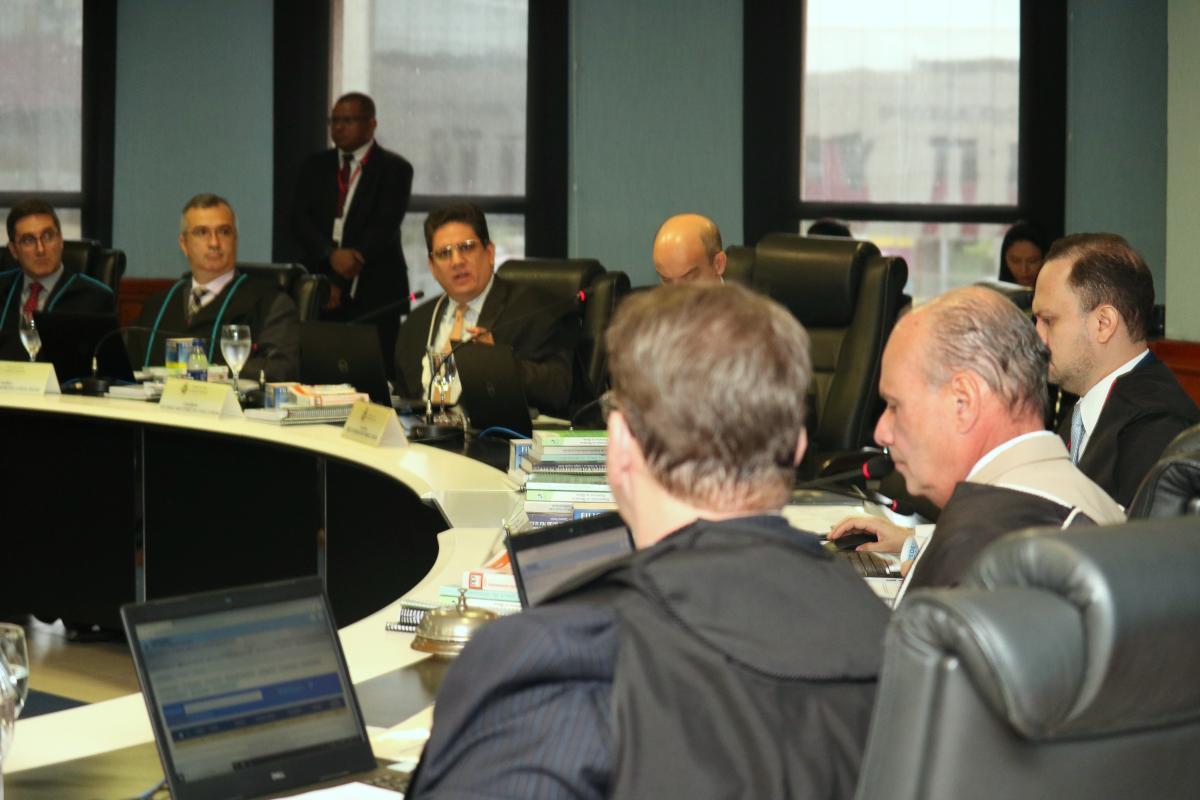 Governo apresenta ao TCE plano de implantação da Lei do Compliance
