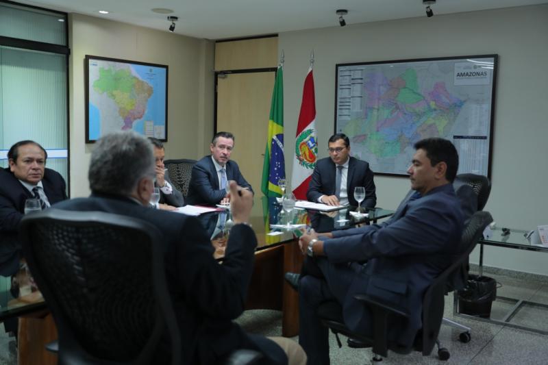 Wilson Lima discute parceria com o Peru para relação comercial e industrial