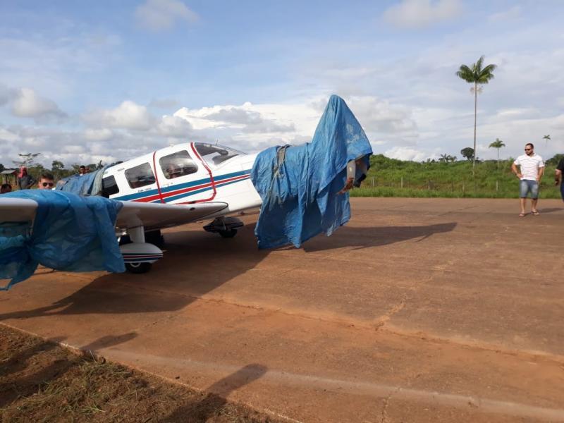 Adolescente perde braço e perna ao ser atingido por monomotor no aeroporto de Ipixuna