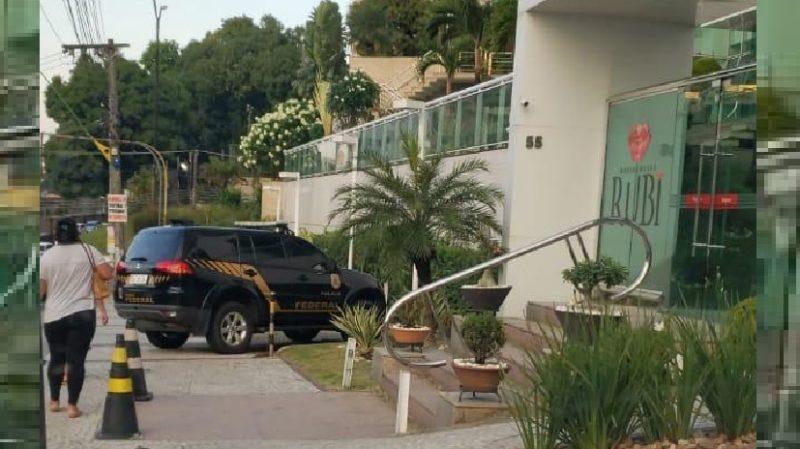 Polícia Federal volta a condomínio de luxo em Manaus