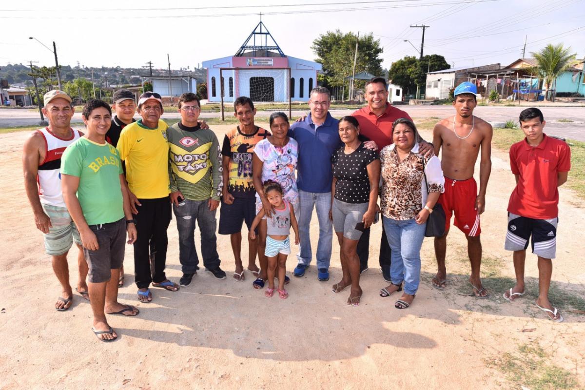 Josué Neto mantém agenda pelos bairros de Manaus