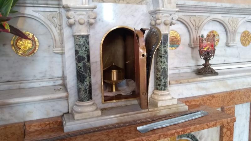 Sacrário da Catedral de Parintins é alvo da ação de vândalos