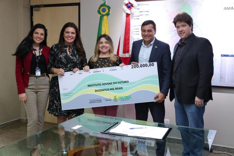 Wilson Lima libera recursos para projetos nas áreas de produção rural, educação e esporte na capital e interior