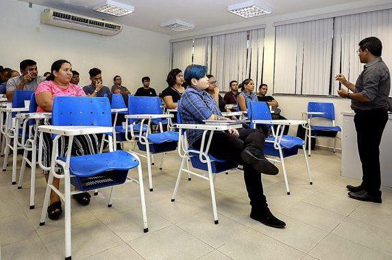 Assembleia Legislativa promove curso de Libras