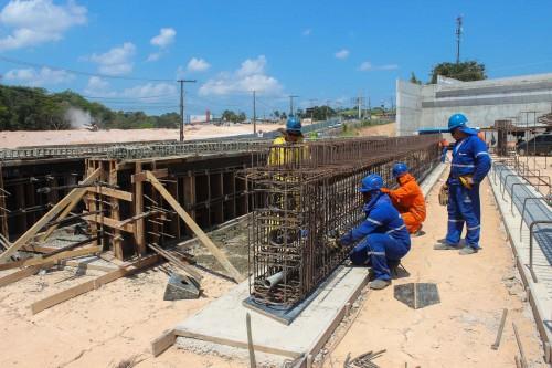 Seinfra executa obras de drenagem no Anel Sul