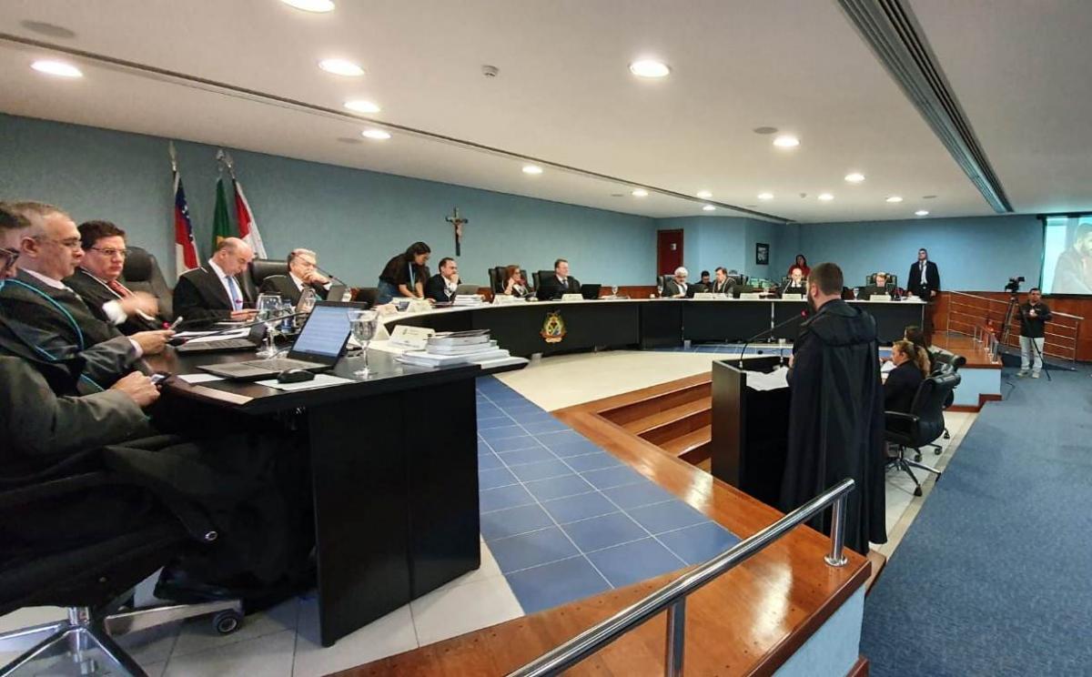 Ex-prefeito de Itacoatiara é condenado a devolver R$ 25,5 milhões
