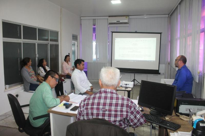 Prefeitura finaliza revisão do Plano de Carreira, Cargos e Remuneração dos profissionais do magistério (PCCR)