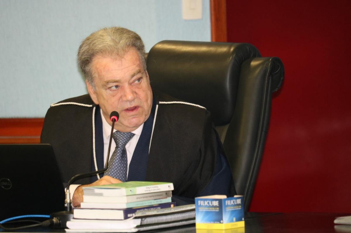 Conselheiro nega cautelar e mantém concurso público do TJAM