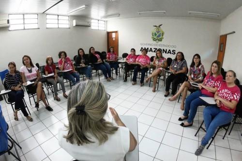 Cosama alerta mulheres durante a campanha do 'Outubro Rosa'