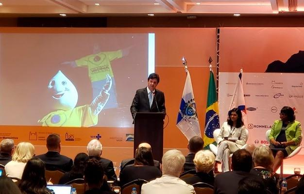 Brasil retoma exportação de vacina contra febre amarela