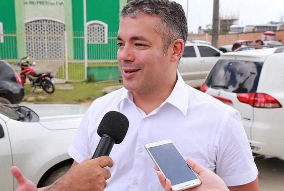 Josué diz que Seinfra está viabilizando manutenção na estrada de Novo Airão