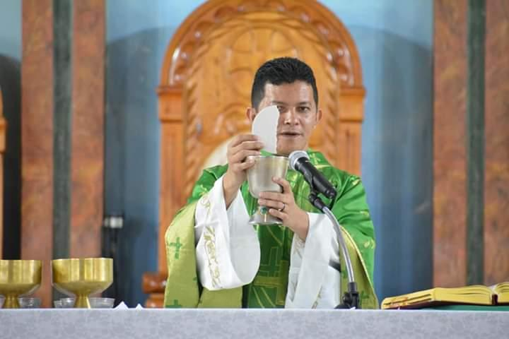 Bispo da Diocese de Parintins nomeia padre Dorival Nascimento Gomes como vigário geral