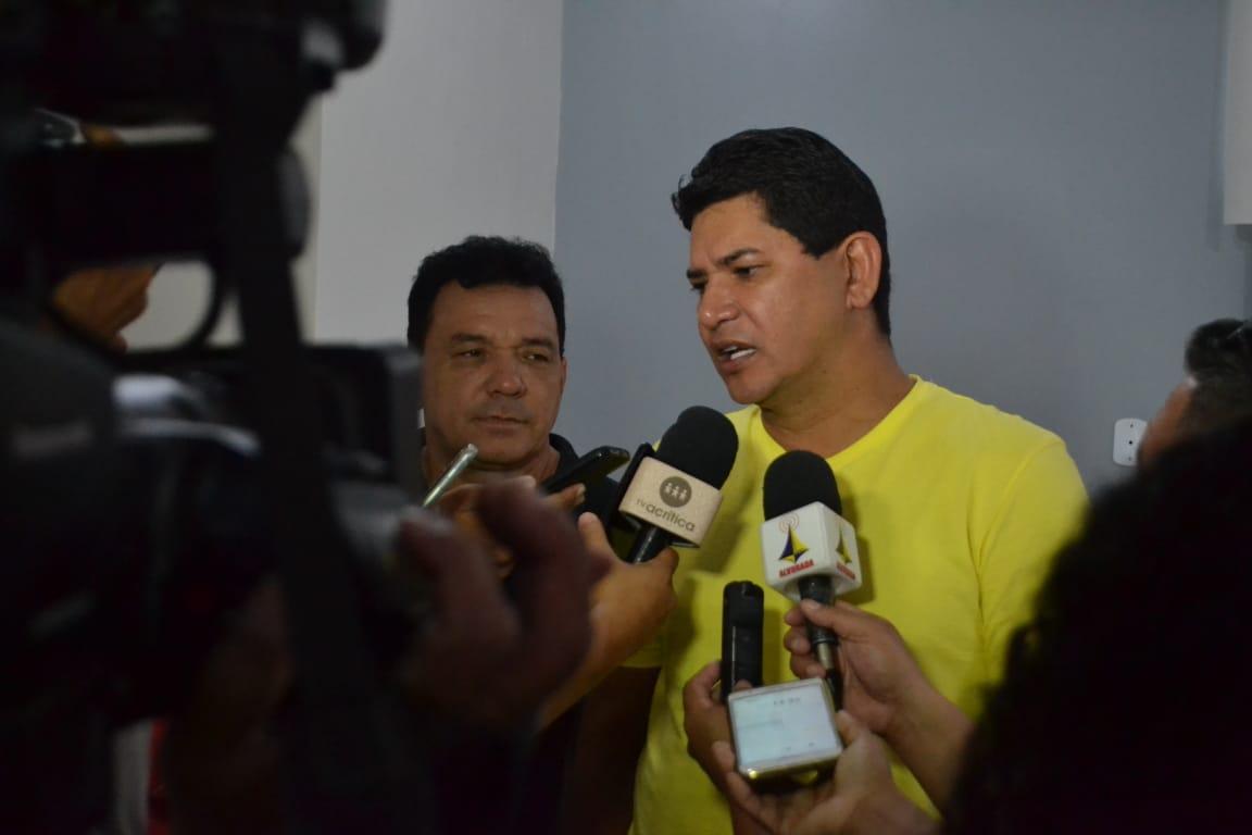 Bi Garcia amplia vantagem e lidera corrida eleitoral em Parintins