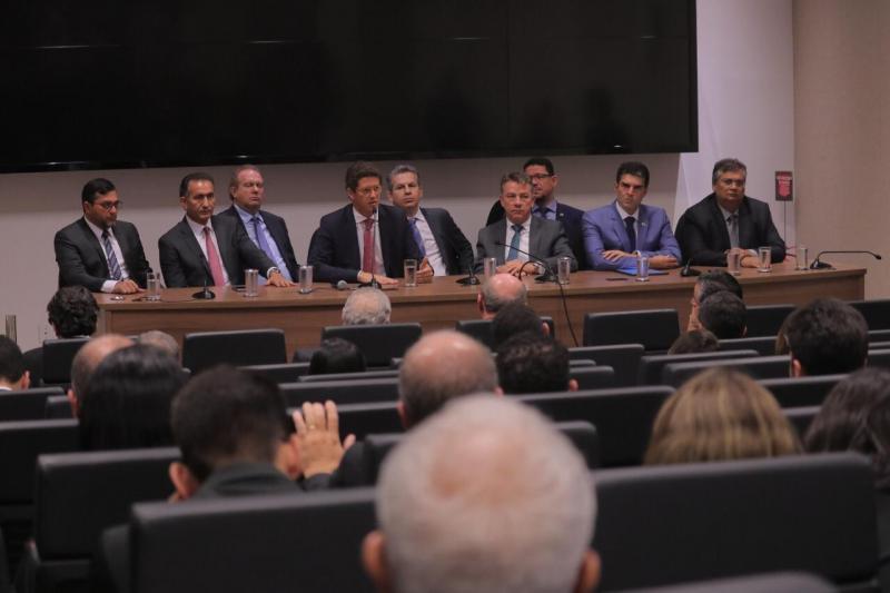 Wilson Lima apresenta ações contra o desmatamento ilegal e defende investimentos em projetos sustentáveis, em reunião com Salles