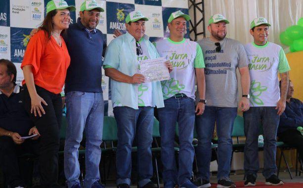Josué Neto comemora liberação de R$ 2,1 milhões para produtores rurais de 12 municípios do AM