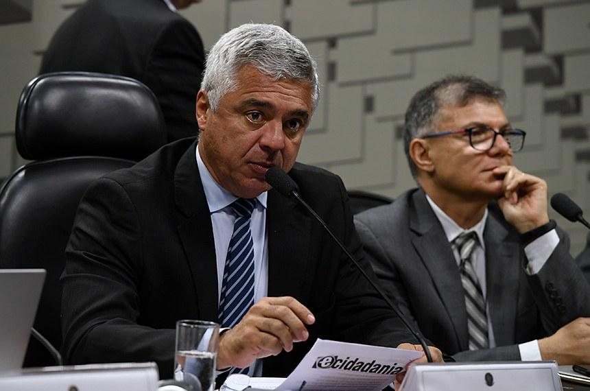CAE pode votar projeto que dá benefício fiscal a cooperativas de táxi