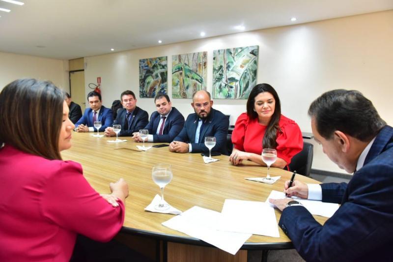 Governador em exercício, Yedo Simões, sanciona leis da previdência, de contratação de crédito e de recuperação de débitos