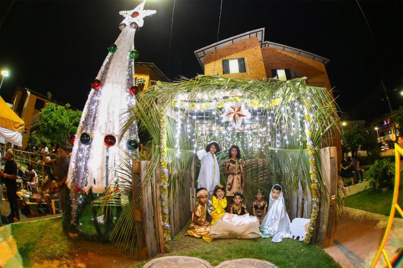 Moradores do Prosamim realizam programação natalina com apresentações culturais, esportivas e iluminação da Árvore de Natal