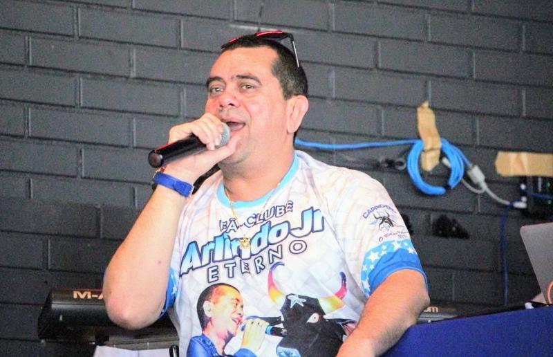 Cantor Arlindo Júnior, o Pop da Selva, morre em Manaus aos 51 anos
