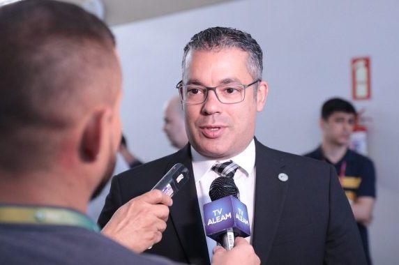 'Iniciativa privada é a mola propulsora da economia', afirma Josué