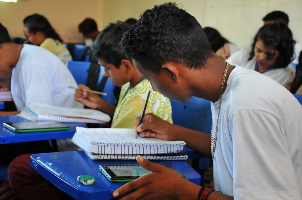 Cerca de 210 alunos do interior são aprovados em universidades públicas