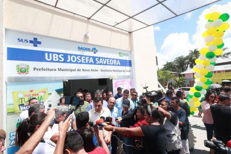 Em Novo Airão, Wilson Lima inaugura UBS e entrega equipamentos para laboratório da Unidade Hospitalar