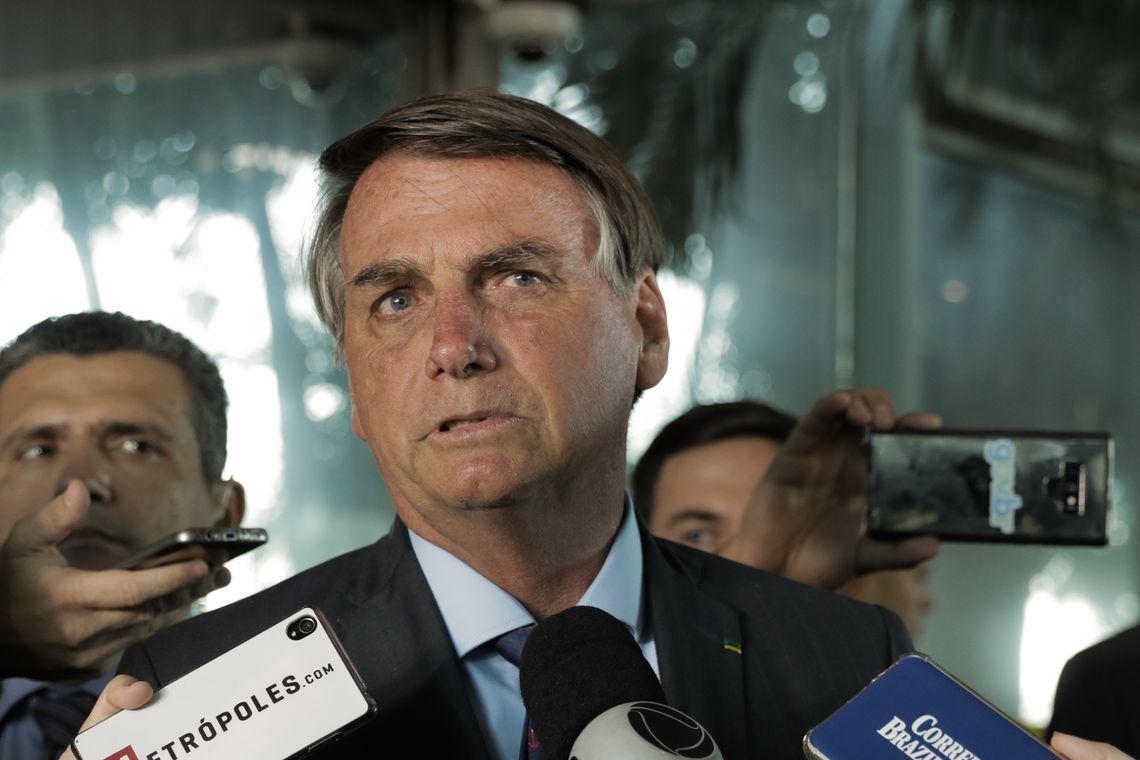 Bolsonaro determina criação de conselho para ações na Amazônia