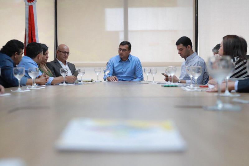 Wilson Lima discute projeto arquitetônico do Distrito Bioagroindustrial de Rio Preto da Eva