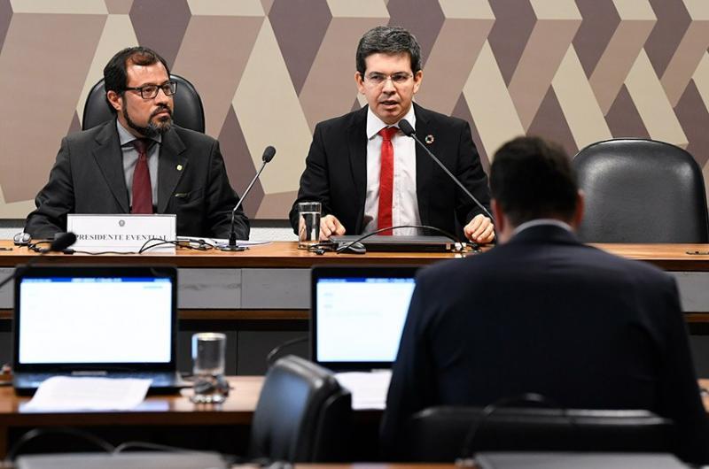 Comissão mista vota na terça (4), relatório de MP que garante 13º no Bolsa Família