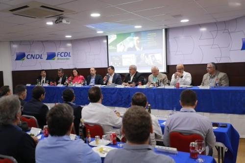 Wilson Lima fortalece diálogo com o setor produtivo durante reunião na CDL Manaus