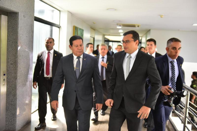 Wilson Lima e Hamilton Mourão discutem meio ambiente, ZFM e infraestrutura