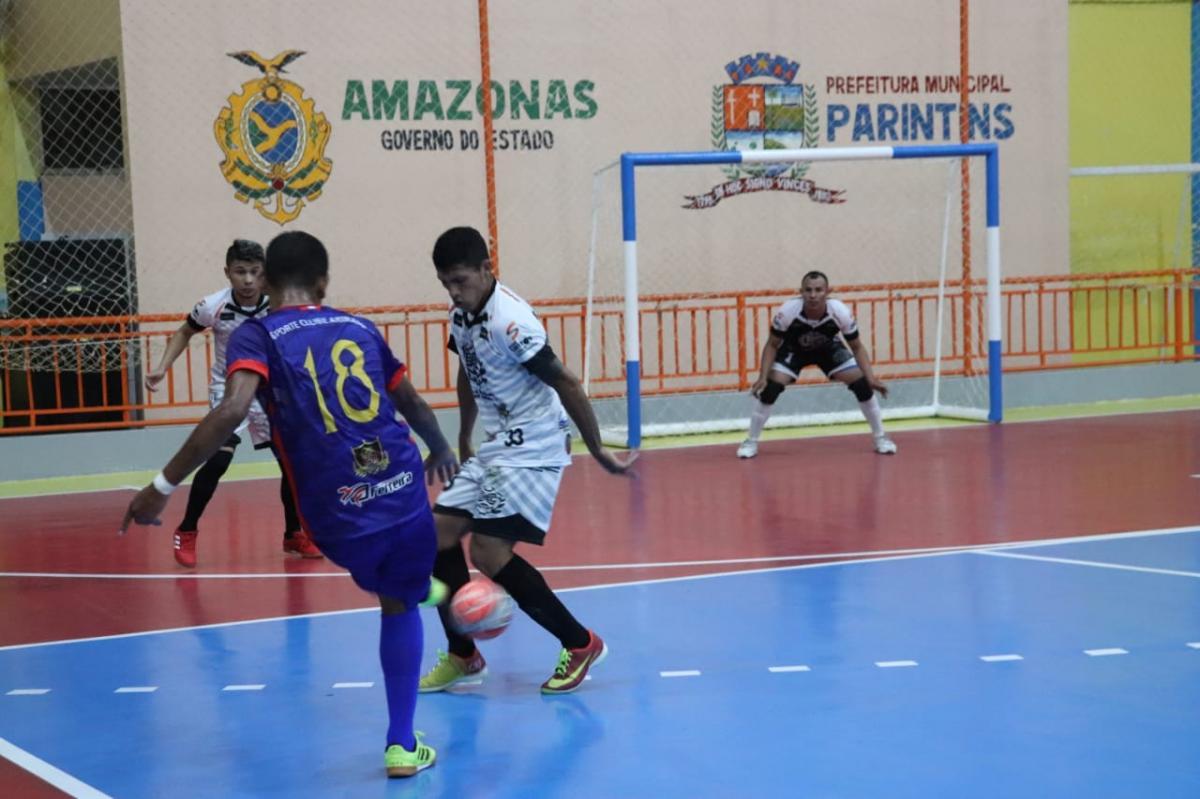 Cinco cidades duelam em noite de Copa Alvorada de Futsal