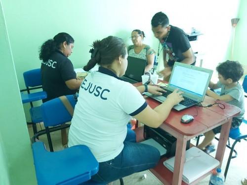 Sejusc leva documentação básica para famílias atingidas pelo incêndio no bairro São Lázaro