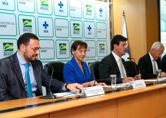 Brasil amplia medidas para assistência de casos de COVID-19