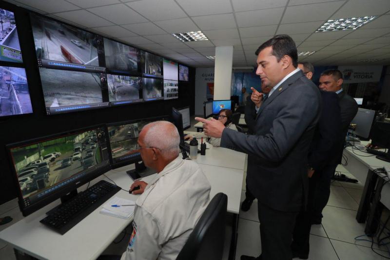 Wilson Lima estuda implantar 'Cerco Inteligente de Segurança' em Manaus