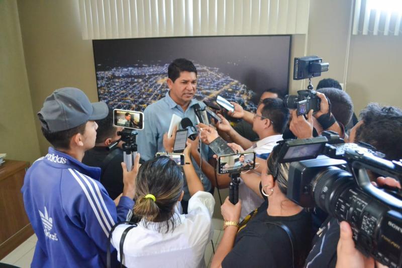 Bi Garcia assegura que Prefeitura trabalha com seriedade e transparência na prevenção ao Coronavírus