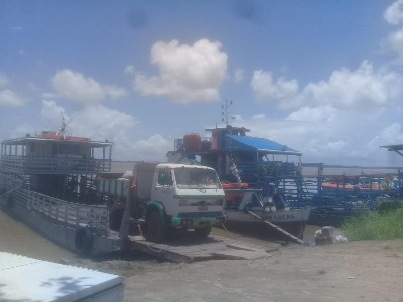 Transporte fluvial funciona de forma regular entre Parintins e Vila Amazônia