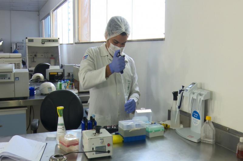 Ministro da Saúde elogia expertise da FMT no estudo para o combate ao Covid-19