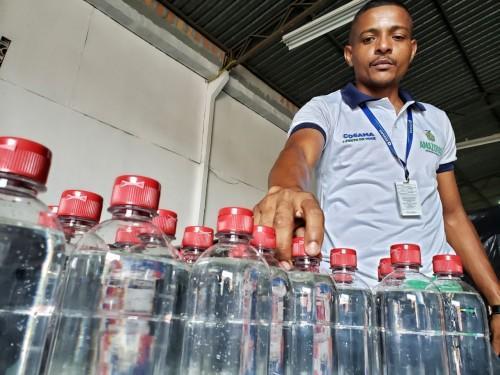 Cosama distribui materiais de prevenção ao Covid-19 para os funcionários dos 14 municípios em que atua