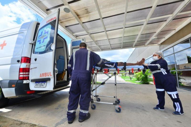 Governo do Estado realiza transferência de pacientes internados no Delphina Aziz para outras unidades de saúde