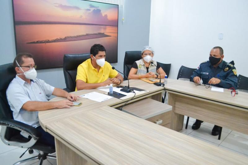 Decreto assinado pelo prefeito Bi Garcia amplia toque de recolher em Parintins