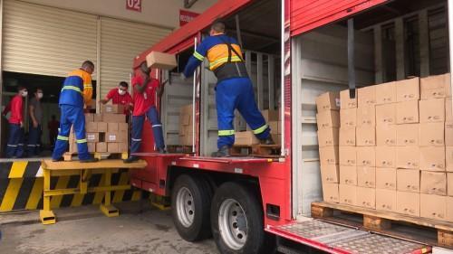 Governo do Amazonas recebe doação de 15 mil frascos de álcool gel da Ambev