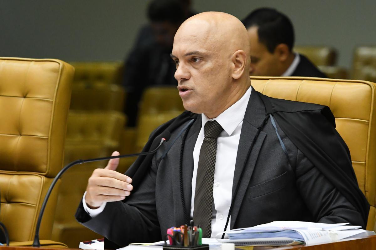 Alexandre de Moraes impede presidente de suspender quarentena